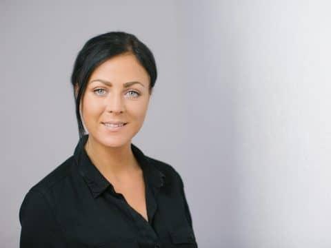 Melanie Nell
