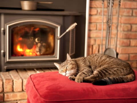 Brandschutz zuhause ist vor allem in der kalten Jahreszeit ein wichtiges Thema.